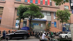 Vụ cướp ngân hàng tại Hà Nội: 2 tên cướp ném lựu đạn, rơi tiền trên đường chạy trốn