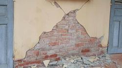 Ảnh: Nhà cửa nứt toác, dân bỏ chạy khỏi nhà sau 3 trận động đất ở Sơn La