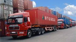 Vận tải hành khách và hàng hóa: Trong nước tăng cao, quốc tế gặp khó