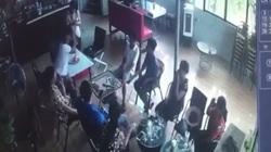 Clip: Án mạng kinh hoàng trong quán cà phê tại Hà Nội