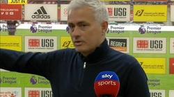 """Tottenham thua đau, HLV Mourinho mỉa mai: """"Tôi không dám nói gì"""""""