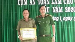 Quảng Trị: Khen thưởng bảo vệ dân phố cứu bé gái khỏi chết đuối