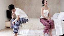 Tủi phận khi hàng đêm chồng xem ảnh các cô gái bốc lửa, so sánh chuyện ái ân