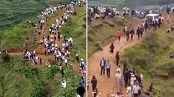 Hàng nghìn người dân Trung Quốc đổ lên núi vì tiếng động lạ được cho là tiếng....rồng gầm rú