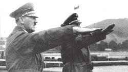 """Ngoài người Do Thái, Hitler muốn """"đuổi cùng giết tận"""" nhóm người nào?"""