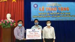 Tặng 4.000 bộ Kit test cho ngành y tế Khánh Hòa