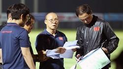 HLV Park Hang-seo khiến tất cả ngỡ ngàng với 1 chân sút ĐT Việt Nam