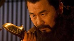 Nhân vật nào được Tào Tháo kính trọng, biếu túi gấm đựng râu?