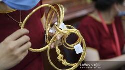 Giá vàng hôm nay 27/8: Đồng USD tăng giá đè giá vàng giảm sâu