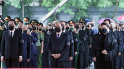 Thủ tướng, Chủ tịch Quốc hội viếng nguyên Tổng Bí thư Lê Khả Phiêu