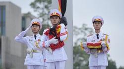 Lăng Bác và nhiều công sở treo cờ rủ Quốc tang nguyên Tổng Bí thư Lê Khả Phiêu