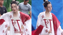 """Địch Lệ Nhiệt Ba bị lộ ảnh mặc đồ cổ trang hóa thiếu nữ 15 tuổi khiến fan """"đứng ngồi không yên"""""""