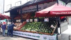 Siêu thị bán hàng trên xe tải 'giải cứu' nông sản