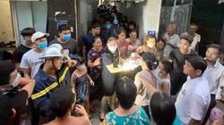 Giải cứu bé sơ sinh bị bỏ rơi mắc kẹt giữa 2 tường nhà ở Hà Nội