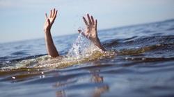 Cảm động trung úy công an cứu bé gái đuối nước