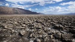 Thung lũng Chết bất ngờ nhiệt độ tăng khủng khiếp nhất trong 107 năm qua