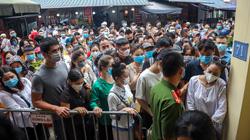 Phủ Tây Hồ đông nghịt người trong ngày đầu Hà Nội thực hiện giãn cách