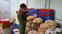 Hà Nội: Phát hiện 1.462kg thực phẩm đông lạnh không rõ nguồn gốc