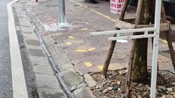 Hải Phòng: Cọc sắt chôn dày đặc trên phố gây nguy hiểm cho người tham gia giao thông