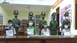 Clip: Bắt 4 đối tượng người nước ngoài lợi dụng mưa bão mang ma túy vượt rừng vào Việt Nam