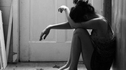 """Từ vụ trẻ sơ sinh bị bỏ rơi: Những cô gái """"vượt cạn"""" trong cô đơn và tuyệt vọng"""