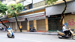 Nhiều cửa hàng phố cổ lại treo biển sang nhượng, cho thuê vì dịch COVID-19
