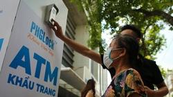 """Cây """"ATM khẩu trang"""" miễn phí đầu tiên ở Hà Nội có gì đặc biệt?"""