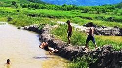 Báo động chuyện trộm đất ở Khánh Hòa: Ra thăm rẫy sửng sốt thấy đất biến mất hiện ra toàn nước là nước