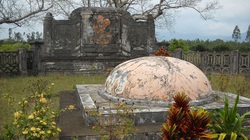 Chuyện lạ trong sử Việt: Ai chết vẫn bị đánh 100 roi vào quan tài?