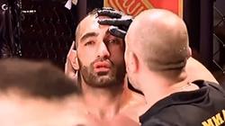 Trọng tài can ngăn, võ sĩ MMA vẫn siết cổ giết đối thủ