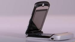 Xài thử điện thoại sành điệu Motorola của năm 2006