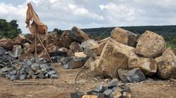 Gia Lai: Khai thác hàng trăm khối đá trái phép ngay gần trụ sở UBND xã