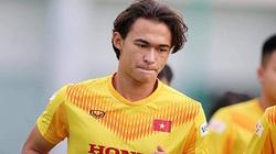 Nỗ lực ghi điểm với thầy Park, cầu thủ Việt gốc Pháp gặp vận xui