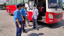 """Quảng Ninh: Thủ tục tiện lợi nhưng vẫn """"hẻo"""" xe ô tô kinh doanh chuyển đổi sang biển số vàng"""