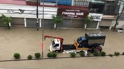 Mưa lớn, thành phố Điện Biên Phủ ngập lụt nhiều tuyến phố