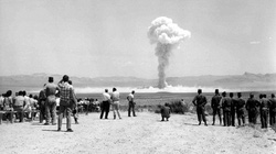 """Phát hãi người xưa """"cuồng"""" xem thử hạt nhân mà không biết hậu quả"""