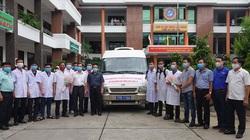 Sau Đà Nẵng, Bình Định tiếp tục chi viện 10 y-bác sĩ đến Quảng Nam dập dịch Covid-19
