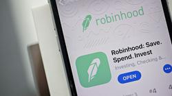 """Đằng sau làn sóng """"nhà đầu tư Robinhood"""" càn quét thế giới, đẩy TTCK toàn cầu thăng hoa"""