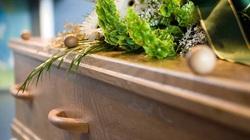 Cô gái bất ngờ trở về sau đám tang của chính mình một tuần