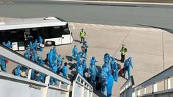 Gần 270 hành khách được đưa đi cách ly sau khi xuống sân bay Cần Thơ