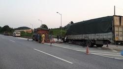 Xe tải húc đuôi xe tải trên cao tốc, 1 lái xe tử vong