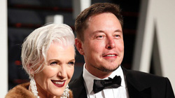 Gia đình Elon Musk có nhiều triệu phú USD