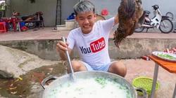 """Con trai bà Tân Vlog """"nấu cháo gà nguyên lông"""": Sẽ bị xử lý nghiêm?"""