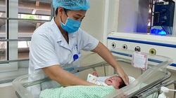 Bé sơ sinh ngừng tim được cứu khỏi cơ sở nạo phá thai