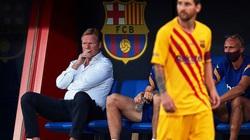 """Hành xử đẹp khi tái xuất ở Barca, Messi vẫn bị HLV Koeman """"nắn gân"""""""