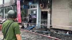 Chi nhánh Ngân hàng Eximbank cùng nhà dân bốc cháy lúc rạng sáng