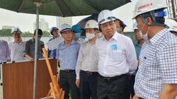 Chủ tịch Đà Nẵng yêu cầu theo dõi chặt chẽ diễn biến tình hình mưa bão