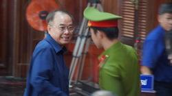 Ảnh các bị cáo trong vụ xét xử cựu Phó Chủ tịch UBND TP.HCM Nguyễn Thành Tài đến tòa sáng 19/9