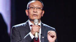 """MC Lại Văn Sâm tiếp tục bị """"fan cuồng"""" nổi tiếng """"truy lùng"""" đến tận Đài Truyền hình"""