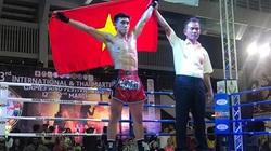 Clip: Nguyễn Trần Duy Nhất đấm gục võ sĩ Thái Lan trong 1 phút